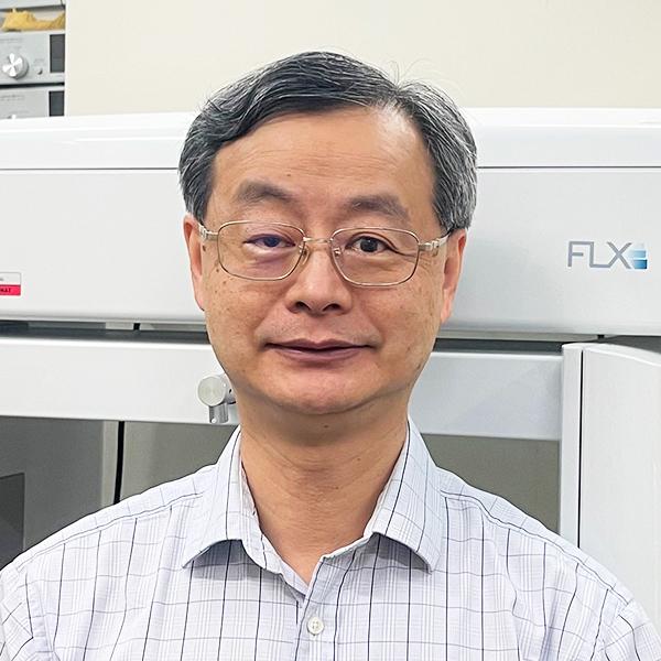 Dr Thomas Li